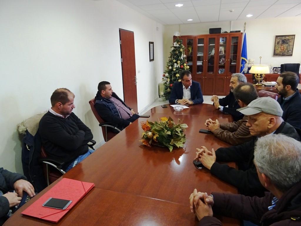 Η χρηματοδότηση δρομολογίων για τις άγονες γραμμές,  στο επίκεντρο της συνάντησης του Περιφερειάρχη  με τους εκπροσώπους των αστικών και υπεραστικών ΚΤΕΛ