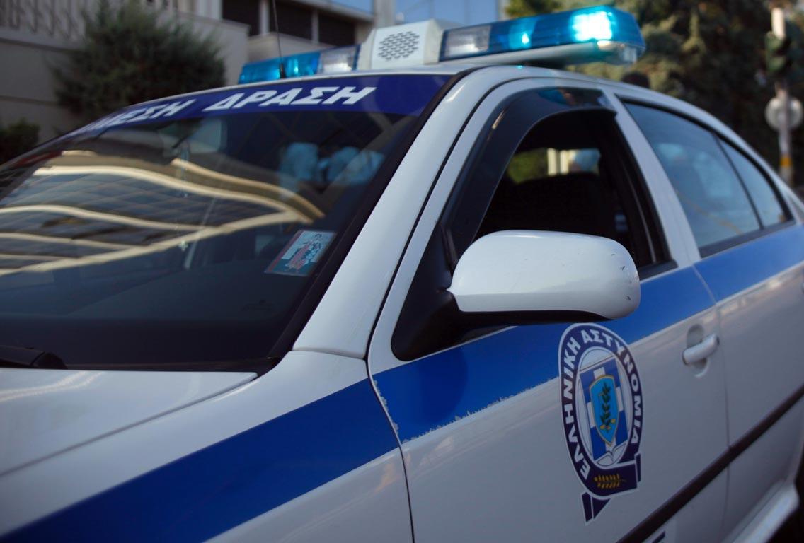 Εξιχνιάσθηκαν 13 περιπτώσεις απάτης σε βάρος κυρίως ηλικιωμένων ατόμων, για τις οποίες συνελήφθη άμεσα  43χρονη αλλοδαπή στην Φλώρινα